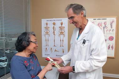 Finding solutions for joint pain at Palmdale Regional